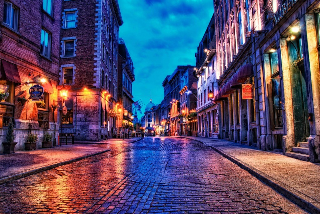 Stay ten minutes away from Old Montreal